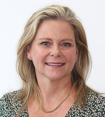Debra Nabney – Registered Dental Hygienist & Therapist